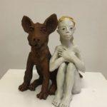 «La fille et le renard», 2018, terre cuite, h: 31 cm